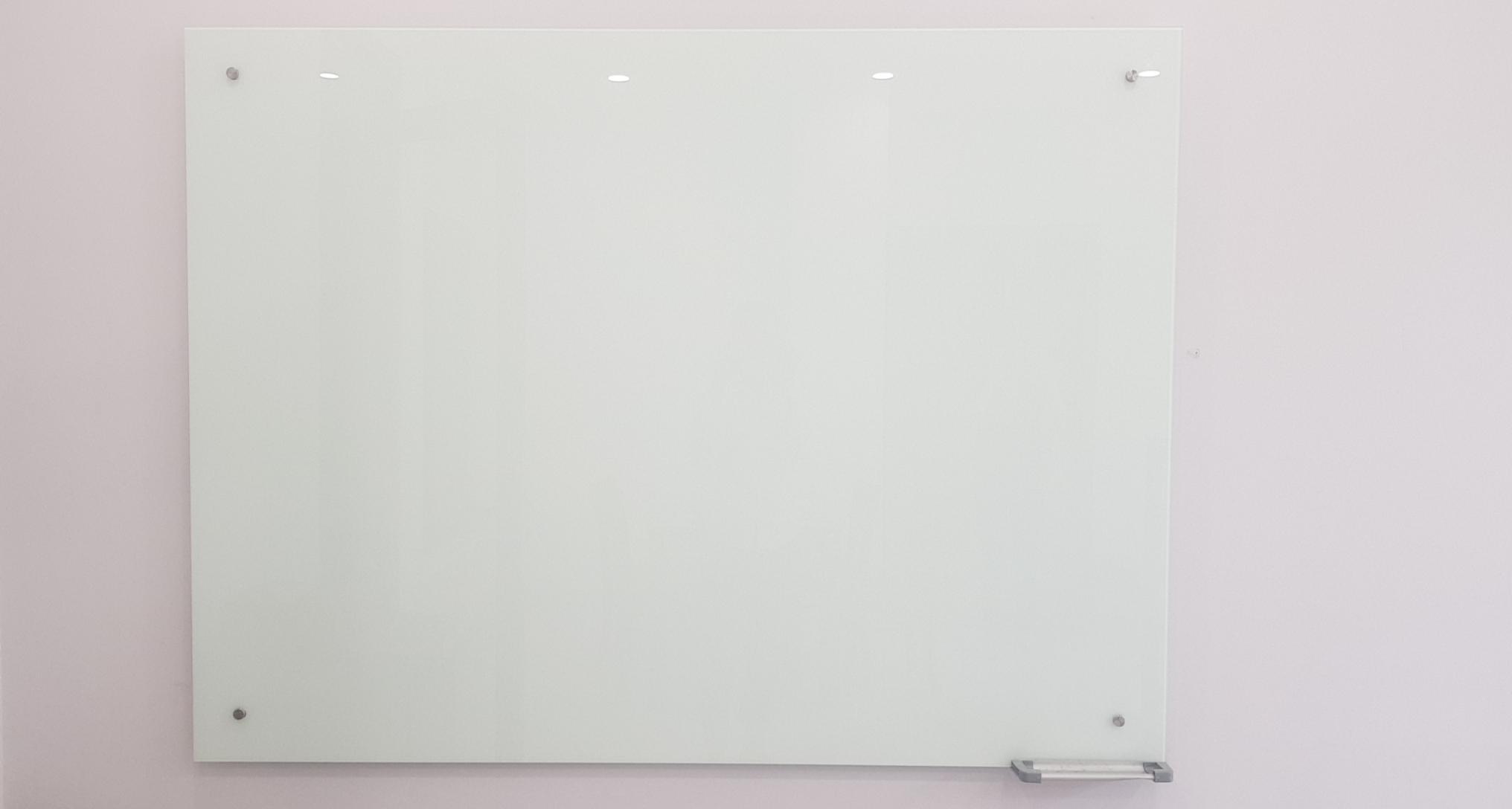 bảng kính ghép treo tường